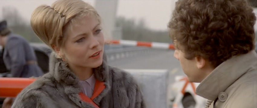 Theresa Russell at the Border